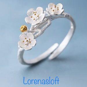 Jewelry - 925 Sterling Silver Branch Flower Ring.